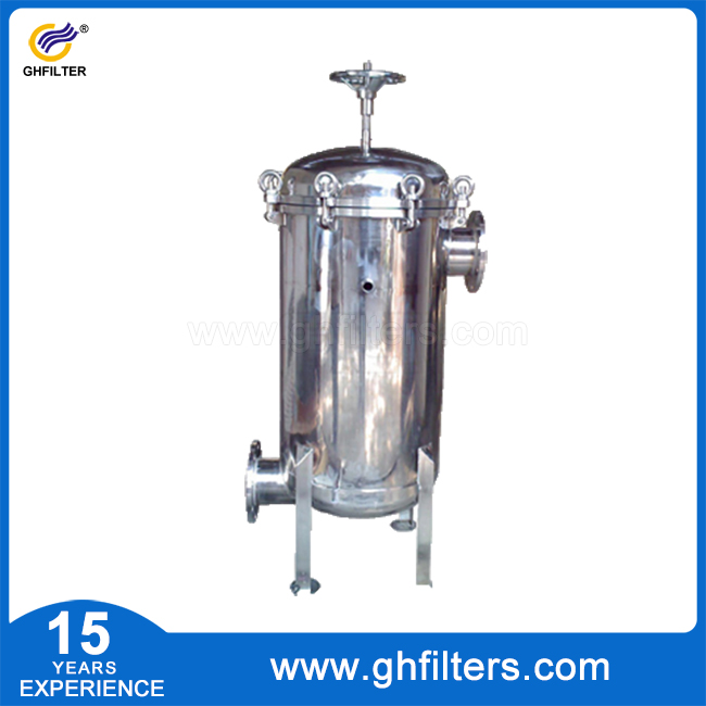 Water treatment plant basket strainer housing bag f